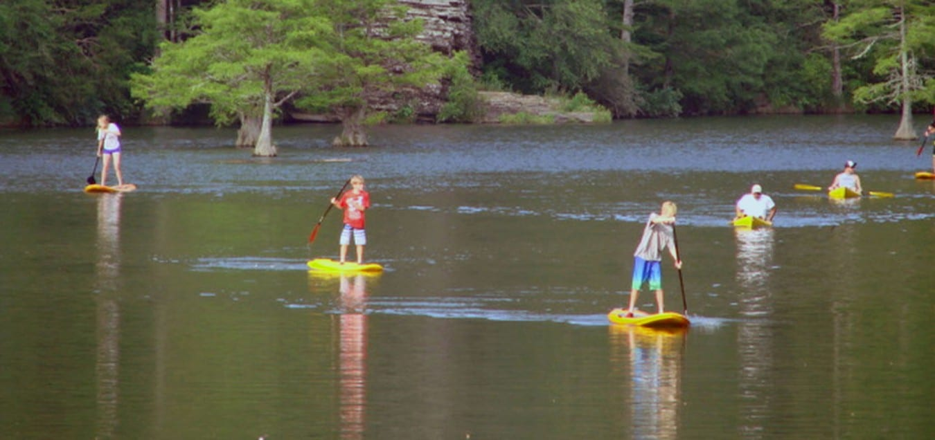 Broken bow lake cabin rentals for Kid friendly fishing near me