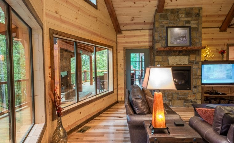 Broken Bow Lake Cabin Rental05