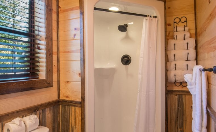 Broken Bow Lake Cabin Rental41