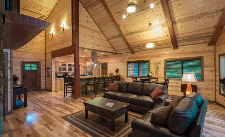 Broken Bow Lake Romantic Cabin